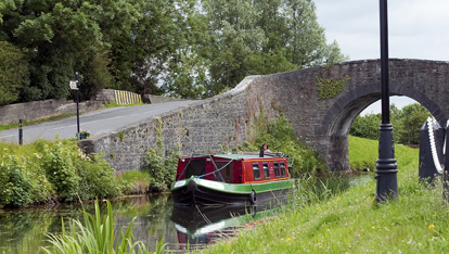 Canal cruising in Kildare
