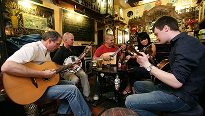 Live music in Belfast city