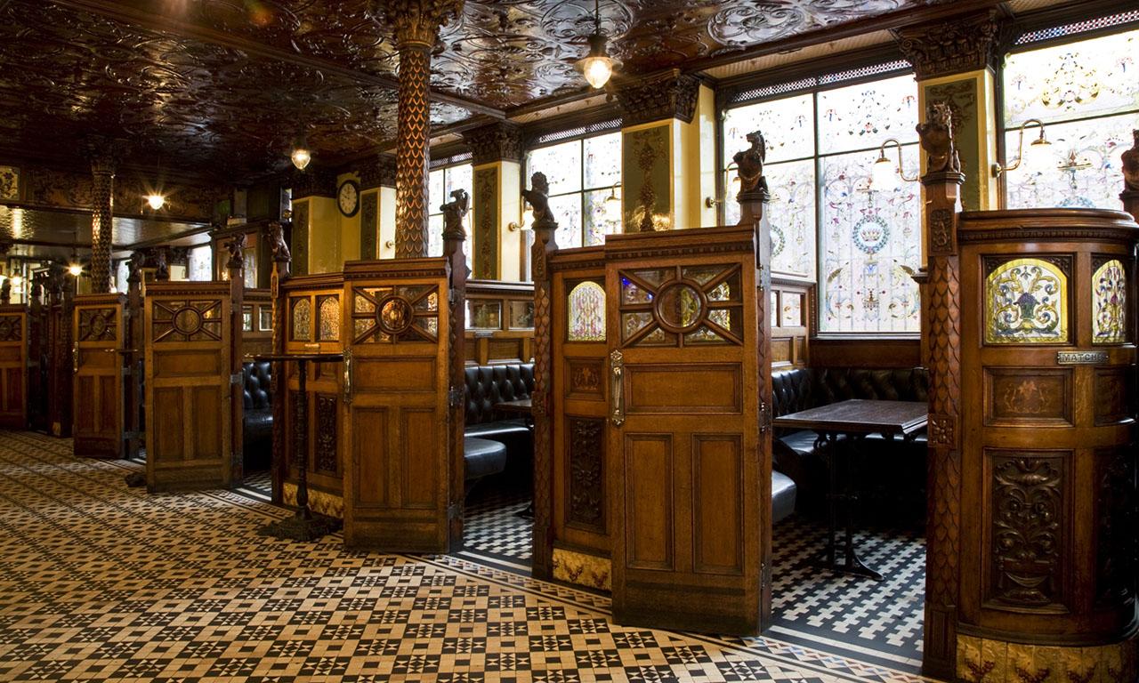 The crown liquor saloon belfast county antrim ireland