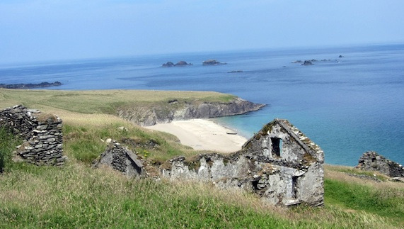 A view of the beach on the Great Blasket