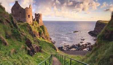 Ontdek romantische kastelen aan de klifrand