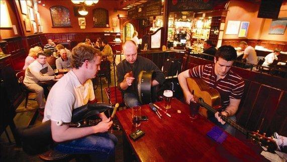 John Hewitt's Bar, Belfast