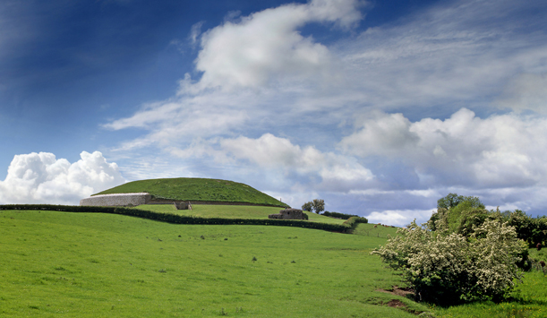 "Passage tomb at Newgrange provided by <a href=""http://www.shutterstock.com/gallery-561085p1.html"" >Pecold</a>"