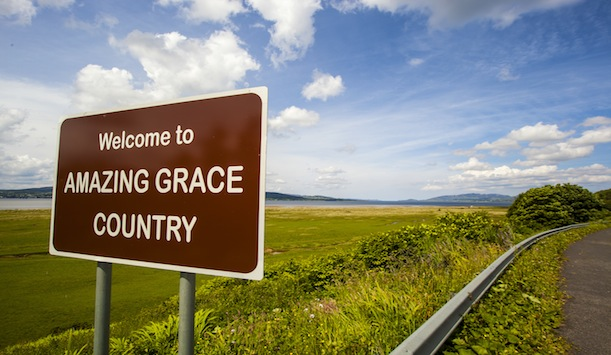 "Welcome to Amazing Grace Country ofrecido por <a href=""http://www.visitinishowen.com/"" >Adam Porter/Visit Inishowen</a>"