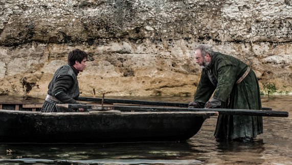 "Gendry and his liberator, Ser Davos Seaworth (Ballintoy, County Antrim) fourni par <a href=""http://www.hbo.com/game-of-thrones"" >© HBO</a>"