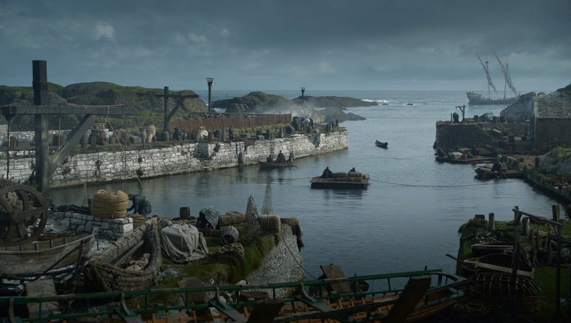 "Theon Greyjoy's homeland, the Iron Islands (Ballintoy Harbour, County Antrim) fourni par <a href=""http://www.hbo.com/game-of-thrones"" >© HBO</a>"