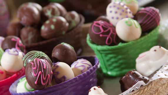 Easter egg selection. Image courtesy of Shutterstock/Christian Vinces