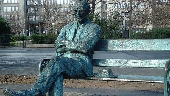 Patrick Kavanagh Statue in Dublin City Centre