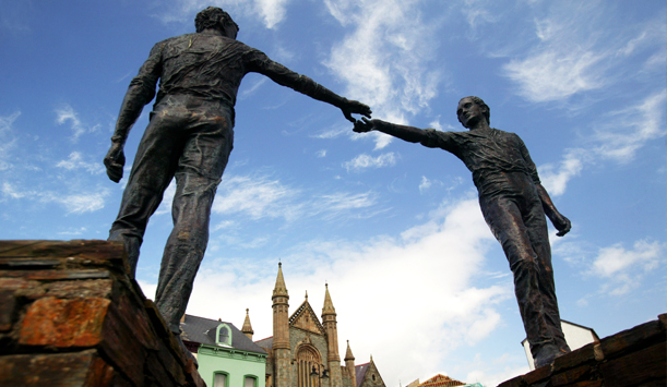 Hands Across the Divide statue in Derry - Londonderry