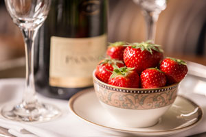 Bubbles and Berries at Stormont Hotel