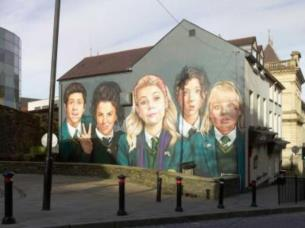 Derry Girls Glamour