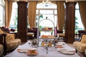 AFTEROON TEA SLEEPOVER AT LOUGH ERNE RESORT