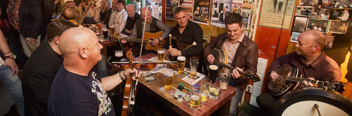 Traditional music session at Café Bar, Derry~Londonderry