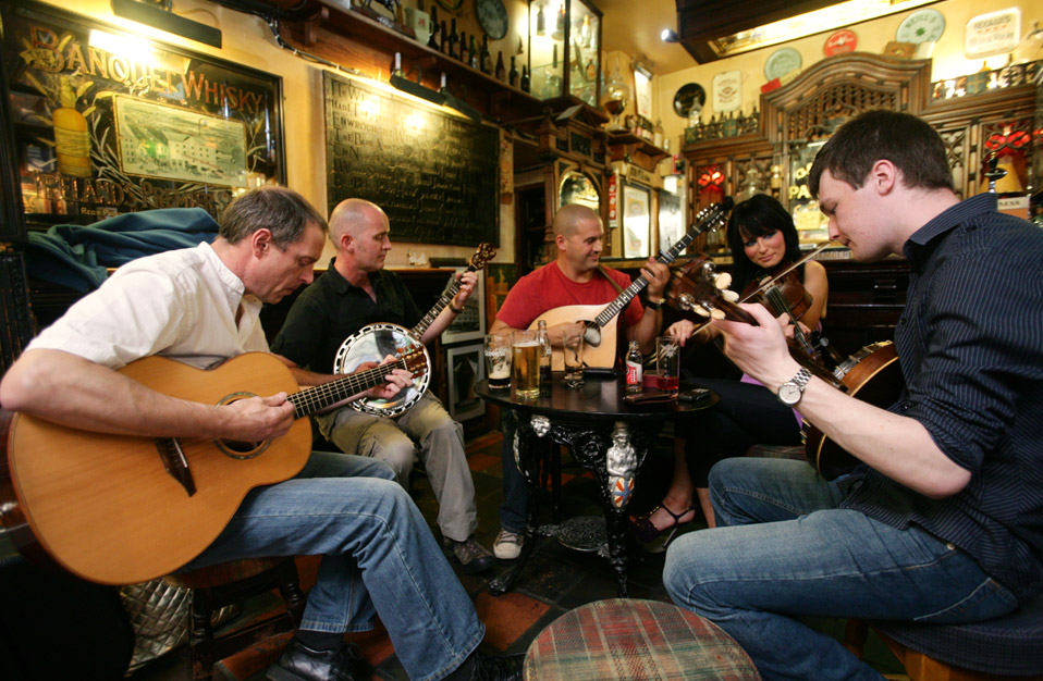 Traditional music in Duke of York, Belfast