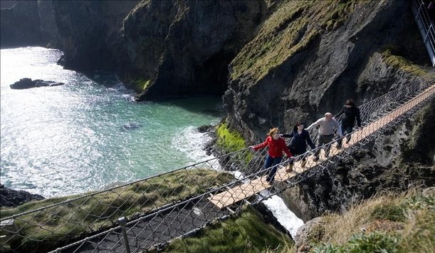 Carrick-a-rede rope bridge, County Antrim