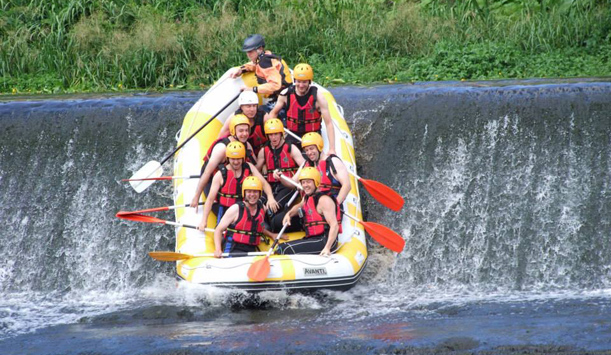 Thrills and spills on a raft adventure provided by Rafting.ie