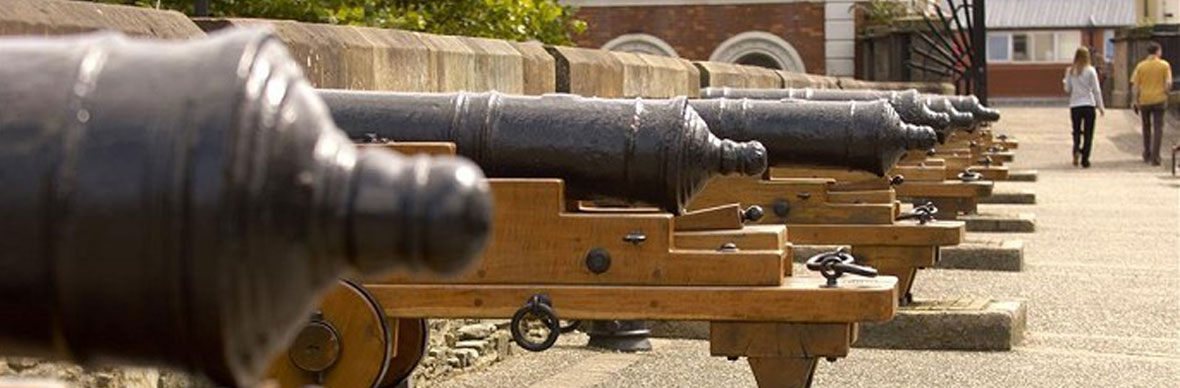 The cannons at the Derry-Londonderry walls