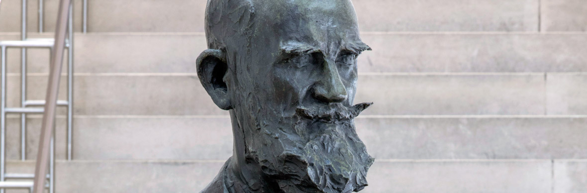 George Bernard Shaw statue, National Gallery of Ireland