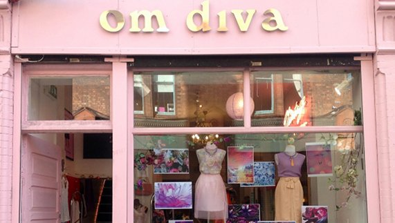 The cheery storefront of Om Diva on Drury Street