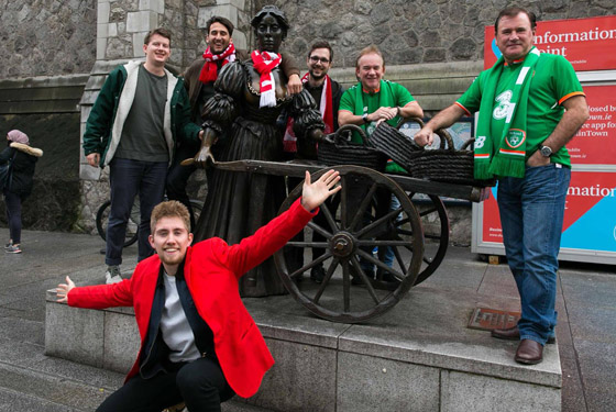 Denmark and Ireland at the Molly Malone statue