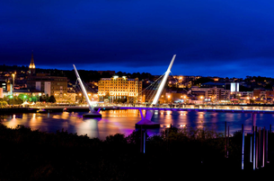 Autumn City Break at the City Hotel in Derry with 2 nights BB 1 Evening Meal  Walking Tour from 95 p