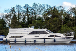 Take to the water with Manor House Marine Cruiser Hire and receive a 15 discount on the Noble Chief