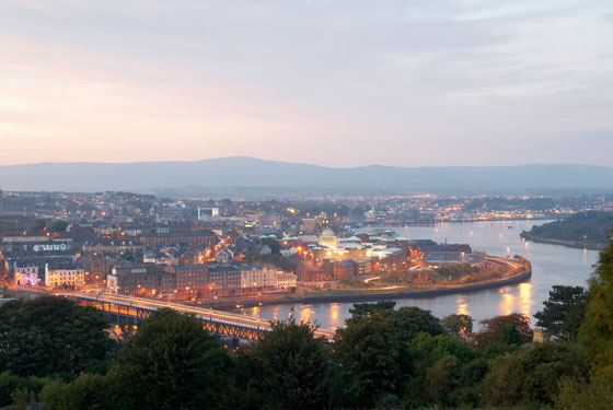 Explore Derry~Londonderry by Road