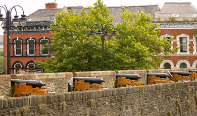 Derry~Londonderry: the Walled City