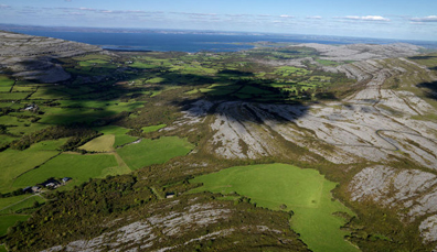 Der Burren und Cliffs of Moher Global Geopark, County Clare