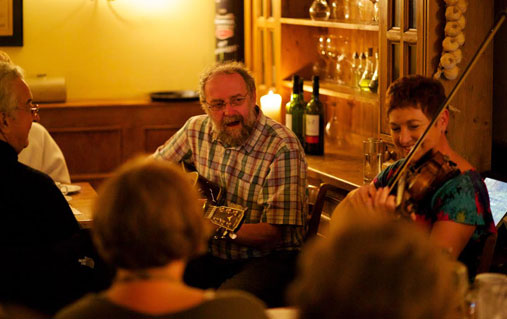 Traditionele muziek in de pub The Brazen Head