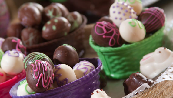 Easter egg selection. Image courtesy of Shutterstock/Christian Vinces