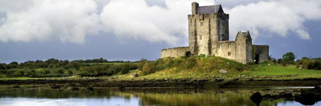 Incredible My Ireland Medieval Magic At Dunguaire Castle Banquet Interior Design Ideas Apansoteloinfo